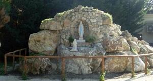 Inaugurata la Grotta della Madonna di Lourdes