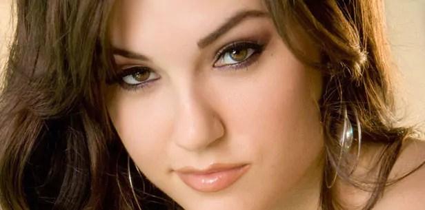 Romance Scammer: Sasha Grey     FraudsWatch.com