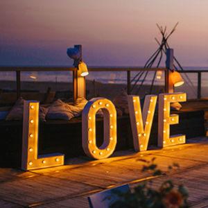 Buchstaben LOVE Hochzeit leihen Verleih Deko Hochzeit