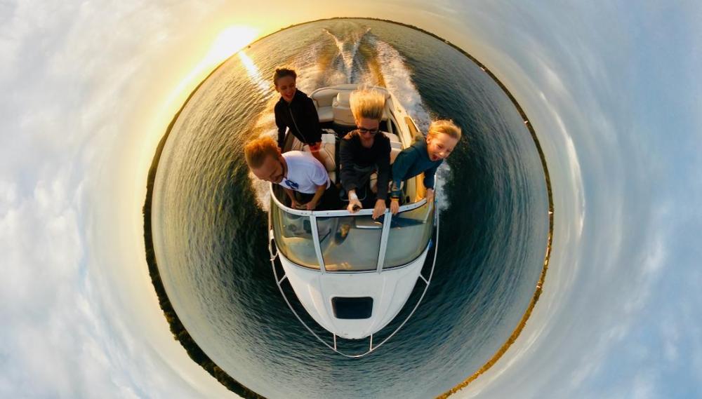 Sonnenuntergang mit dem Boot auf dem Müggelsee