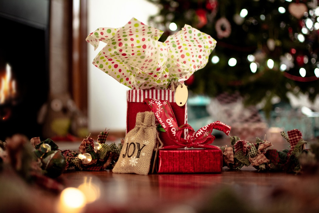List of Authentic Gifting Tips to Seize Your Special Moments