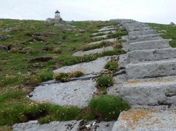 lighthouse walkway