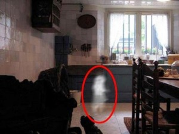 ghost-child-in-lighthouse