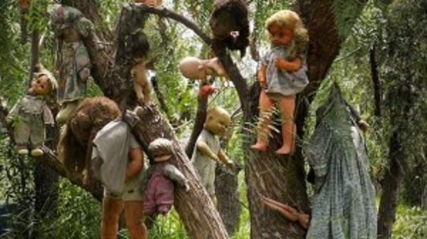 island-of-dolls-near-mexico-city