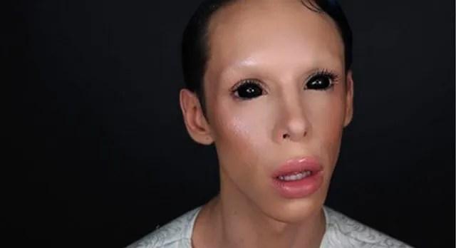 Vinny Ohh dark alien eyes