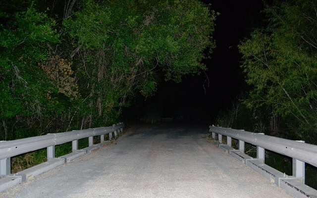 Donkey Lady Bridge at night