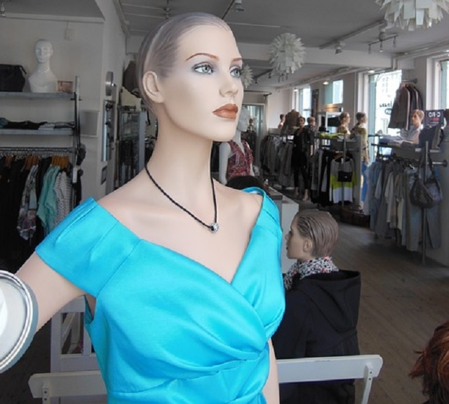 Employee experiences encounters with possessed mannequin
