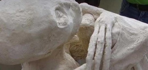 Mummified humanoid alien found in Peru changes human history