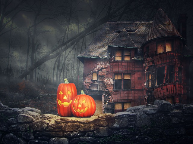 Halloween pumpkin and house