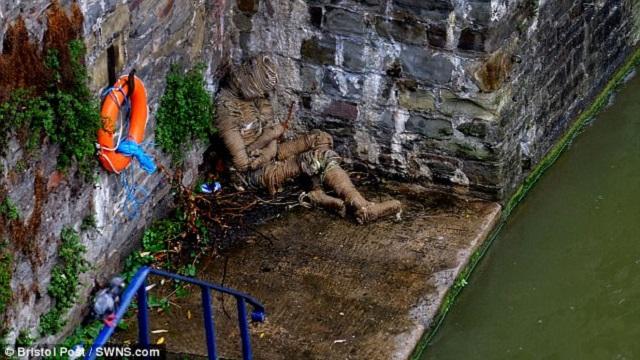 Rope man mummy at Bristol Bridge stairs
