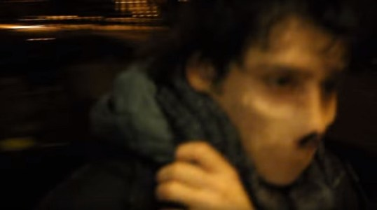 Fearsome faceless man recorded in New York City