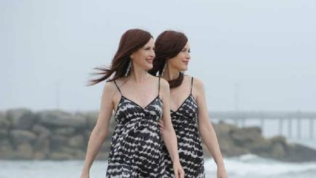foto de The Psychic Twins are possessed by ghosts Freak Lore