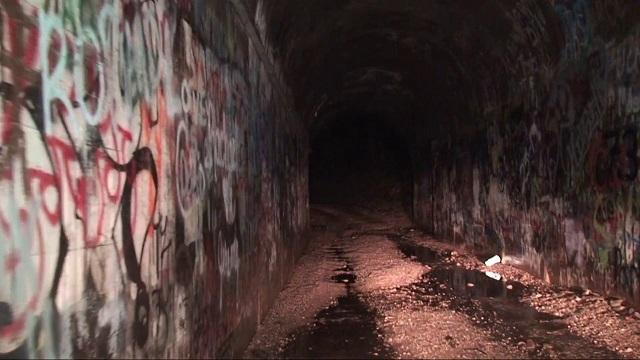 Hells Gate tunnel inside