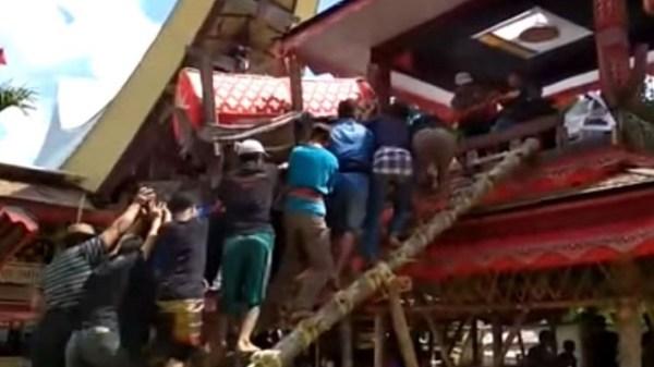 Samen Kondorura dies from mothers coffin