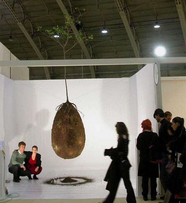 Capsula Mundi Anna Citelli and Raoul Bretzel burial pod trees