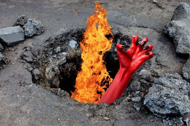 Flaming Hole In The Ground Opens Up In Arkansas