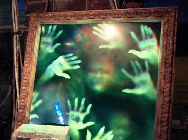 fantômes dans le miroir