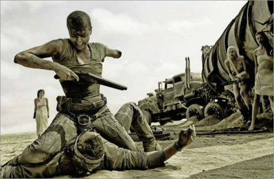 charlize-theron-has-one-arm-in-new-mad-max-fury-road-image