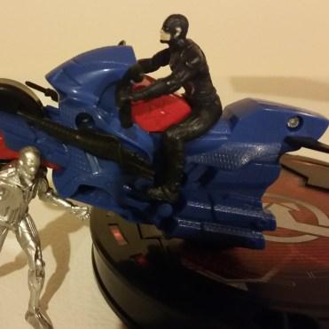 Avengers HQ 2 Cap vs Ultron