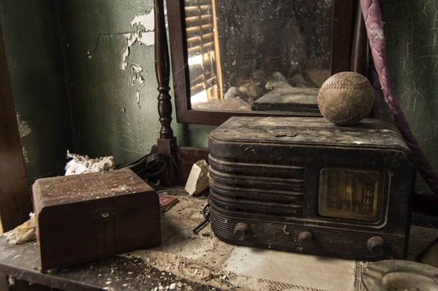 Abandoned House of Treasures Freaktography