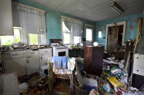 Abandoned Antique House (13)