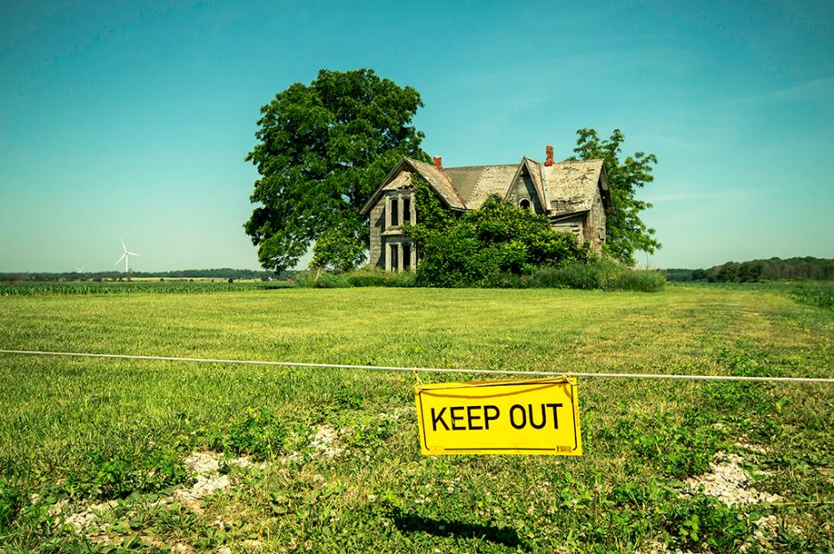 Amazing abandoned house in Ontario