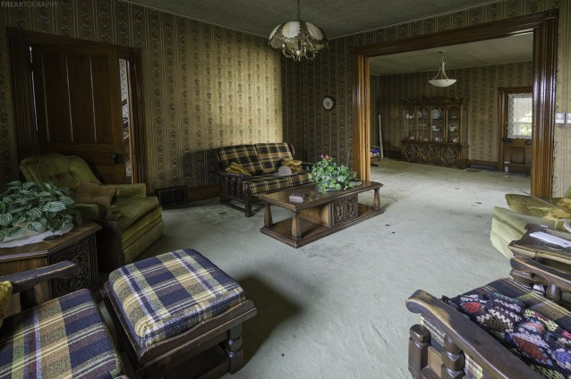 An abandoned ontario house, completely in tact.