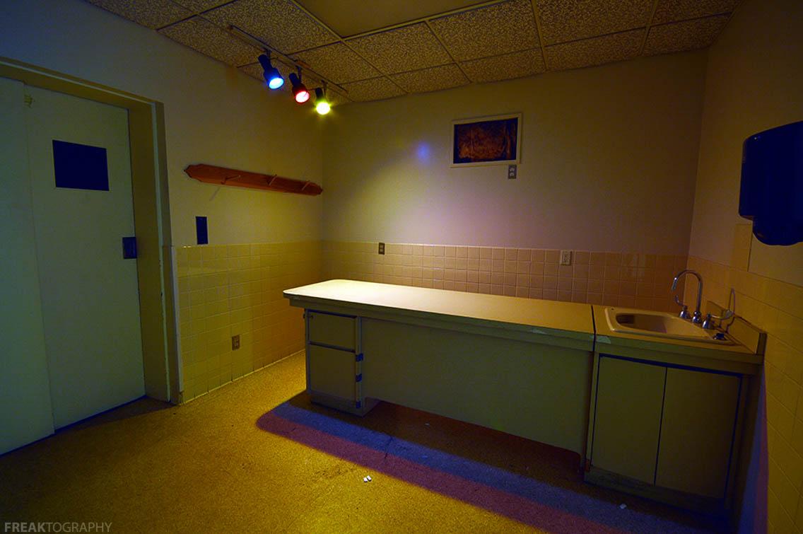 Body Embalming Table