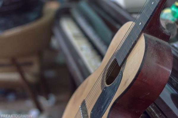 Acoustic Guitar 8x10 Print