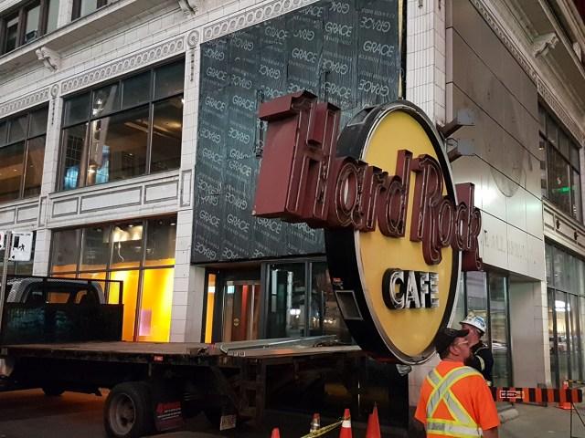 Freaktography Hard Rock Cafe Toronto Sign Removal