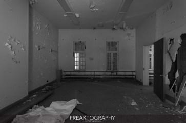 Abandoned Century Manor Hamilton Ontario-4.jpg