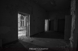 Abandoned Century Manor Hamilton Ontario-9.jpg