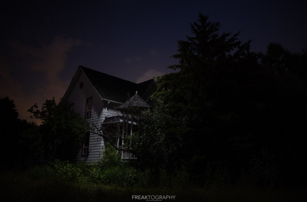 Drone Light Painting Abandoned House with Lume Cube
