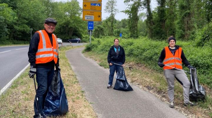 Wolfgang Höfig, Jessica Mörs und Müllaktion des FUCHS an der Berrenrather Straße in Frechen