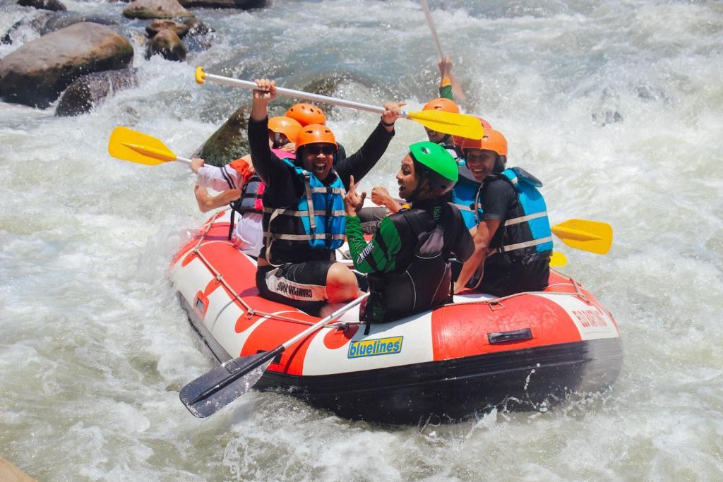 White Water Rafting by Angga Indratama via Unsplash