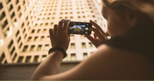 Mobile apps that allow you to photograph raw on Android