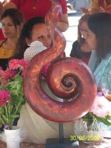 La Kundalini, simbolicamente, è rappresentata anche come un serpente. Nella genesi, il serpente che fa commettere il peccato originale, in realtà è la Kundalini che dona la conoscenza agli uomini, togliendoli dalla cecità. Lepisodio, dunque, è positivo. La Chiesa ha cercato di farci sembrare tutti peccatori