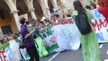 Alunni al secondo sciopero globale per il clima.