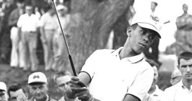 Bill Wright, che ha rotto una barriera di colore nel golf, muore a 84 anni