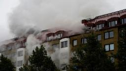 """Göteborg: esplosione e incendio senza """"nessuna spiegazione naturale"""" in Svezia, 16 feriti, mentre la polizia cerca indizi"""