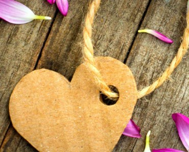 Corrugated Paper Heart Tag