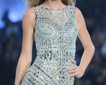 Taylor Swift At 2013 Victoria's Secret Fashion Show