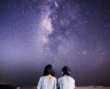 Girls Under The Starry Sky