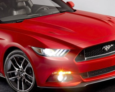 Red Ford Mustang 2015