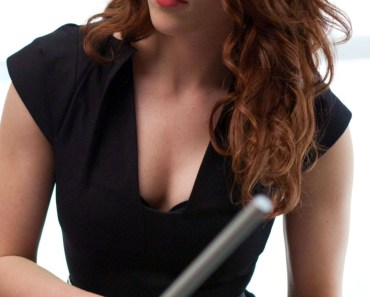 Scarlett-Johansson-Office-Lady