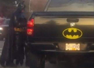 Guy In Full Batman Costume Shows Up To Help Cops In Canada
