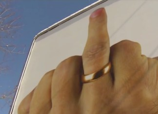 Controversial Billboard Features Raised Finger To Advertise Divorce Services