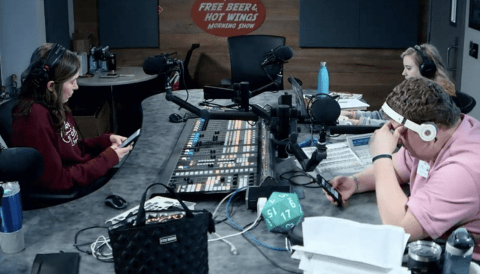 Free Beer and Hot Wings Webcam Feed: Friday, April 12, 2019