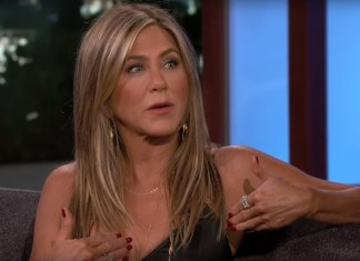 A Wheel Fell Off Jennifer Aniston's Plane To Mexico With Jimmy Kimmel's Wife
