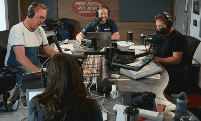 Free Beer and Hot Wings Webcam Feed Thursday, July 18, 2019